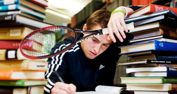 Sport e studio: allena il corpo e allenerai la mente